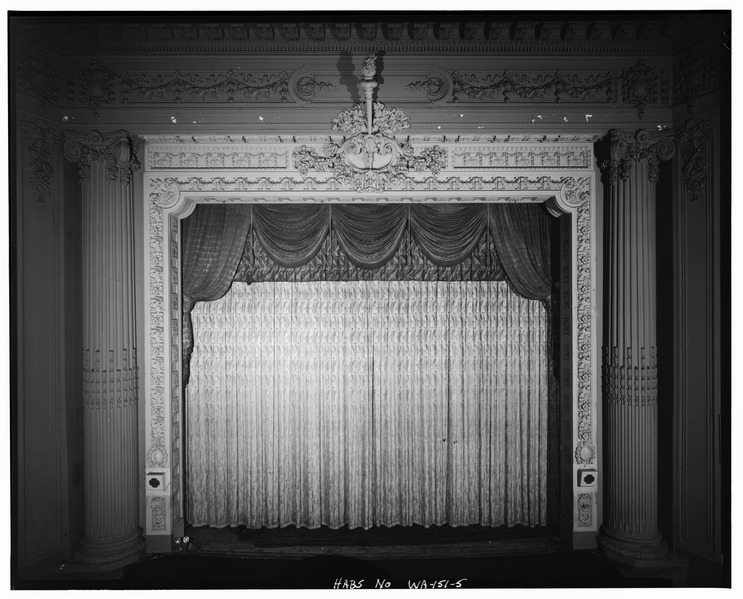 STAGE_FRONT_AND_PROSCENIUM_ARCH,_INTERIOR_-_Pantages_Theatre_and_Jones_Building,_901-909_Broadway,_Tacoma,_Pierce_County,_WA_HABS_WASH,27-TACO,5-5.tif